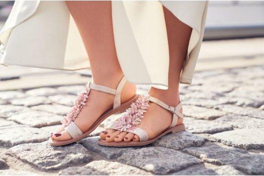 Buty na upały? Sandały!
